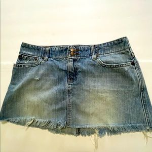 Abercrombie & Fitch distressed jean skirt size 4